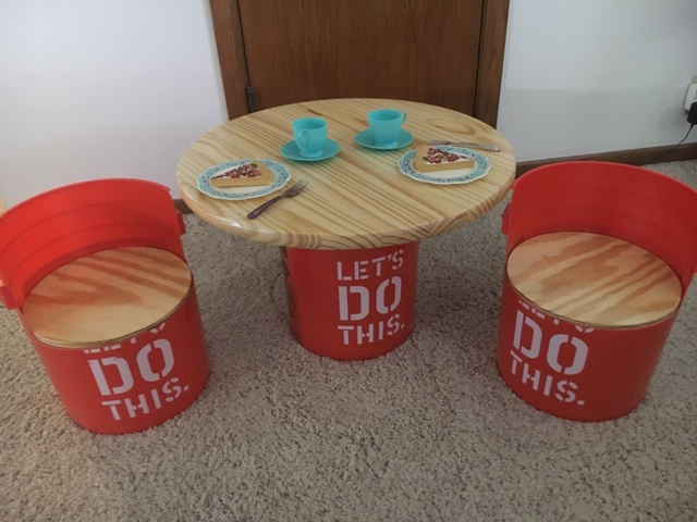 do this childs table chairs - Cute Children's Play Table