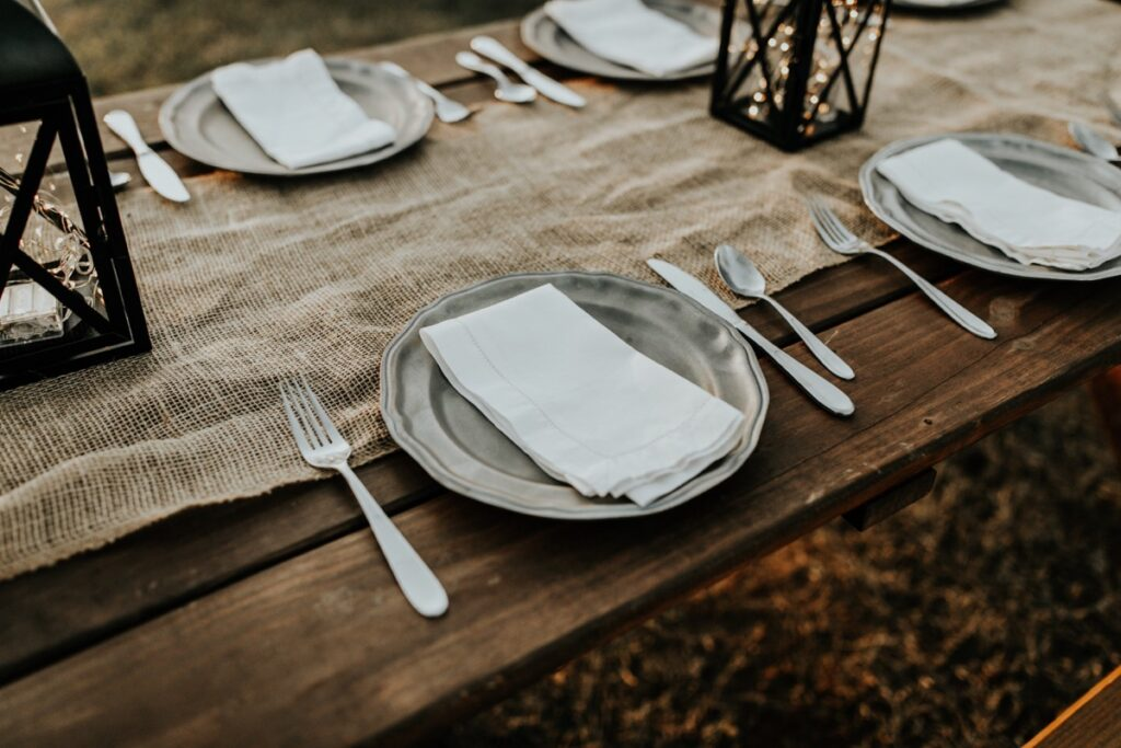 table setting 1024x683 - Fellowship Meals... 2021 Style!
